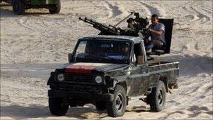 卡扎菲车队进入尼日尔