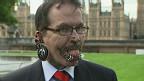 Rolf Buchhol, recordista mundial de piercings (BBC)