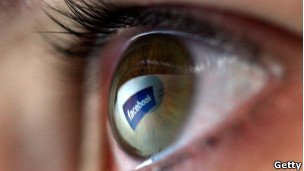 110916083523_tecnologia_facebook_ojo_304x171_getty