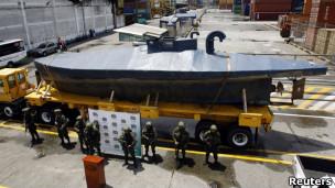 运毒潜水艇