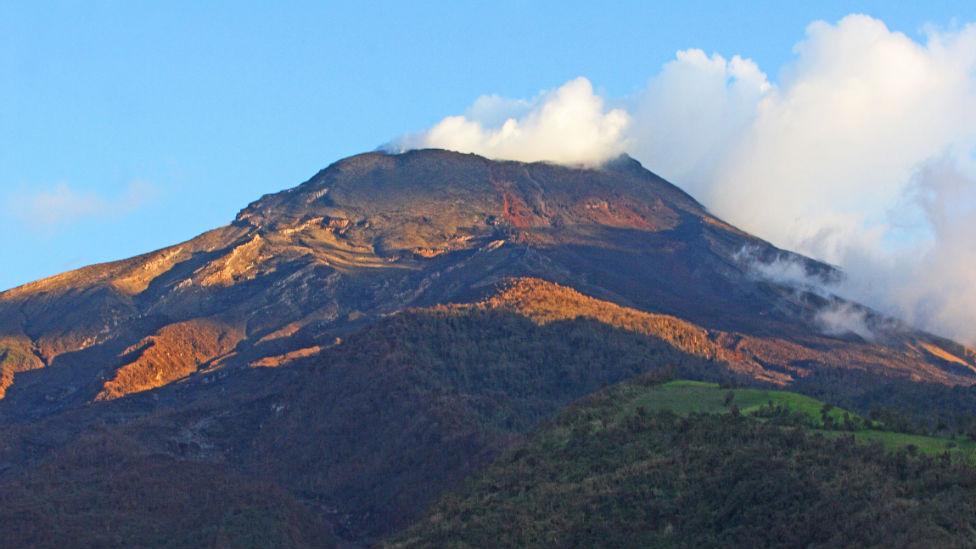 Vulcão Tunguruhua, no Equador/©Steve and Donna O'Meara/ VolcanoHeaven.tumblr.com
