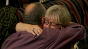 Conterrâneos de Amanda Knox celebram sua libertação em Seattle (BBC)