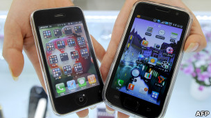 iPhone y teléfono de Samsung