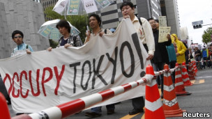 Protestos em Tóquio neste sábado (Reuters)