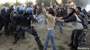 Enfrentamentos entre manifestantes e policiais em Roma