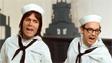 Британский певец Клифф Ричард и культовый английский комик Эрик Моркамб в костюмах матросов. 1973 г.