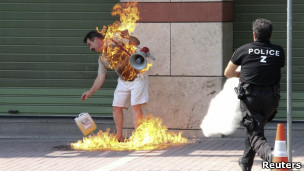 O desespero da falência fez subir o número de suicídios na Grécia desde o início de 2011