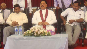 Pillayan (L) together with President Rajapaksa (C) and Minister Karuna