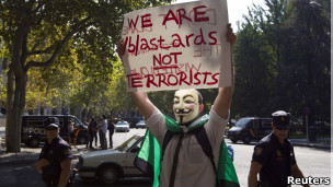 http://wscdn.bbc.co.uk/worldservice/assets/images/2011/10/20/111020131611_hacktivist_group_anonymous_304x171_reuters.jpg