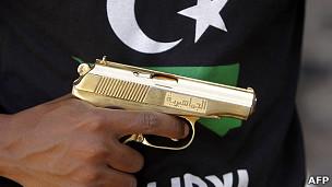 La pistola dorada