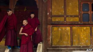 西藏年轻僧侣