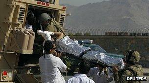喀布爾自殺襲擊