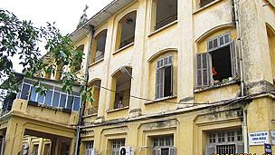 Chính quyền Việt Nam từng 'mượn' nhiều cơ sở thờ tự của các tôn giáo nhưng không bao giờ trả lại