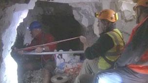 Arqueólogos escavam túneis usados na Primeira Guerra Mundial (BBC)