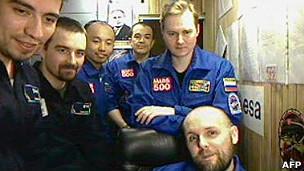 Los seis voluntarios