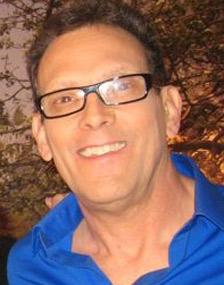 Robert Petrella, 61 años