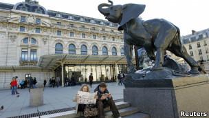 Turistas no Museu D´Orsay, em Paris.