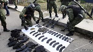 Soldados en Michoacán