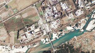 朝鲜宁边核反应堆(资料卫星图片,07/11/2004)