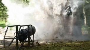 Empresa britânica transforma garrafões de água em arma de guerra