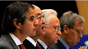 آمانو (نفر دوم از سمت چپ) در اجلاس شورای حکام - عکس از آژانس