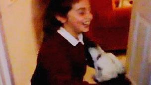Alyssa e Holly se reencontraram na última quinta-feira (BBC)