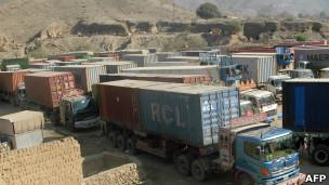 کامیونهای تدراکاتی در پاکستان