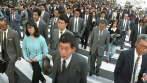 日本街头的行人