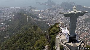 El Cristo Redentor observa Río