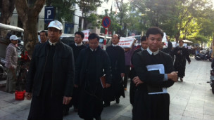 Cuộc tuần hành của giáo xứ Thái Hà