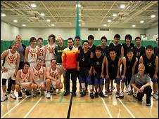 诺福克华人社区篮球队与本地对手