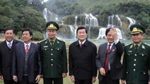 Chủ tịch Trương Tấn Sang (trái)