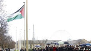 الفلسطيني اليونسكو 111213134937__flag-r