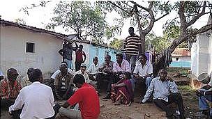 personas reunidas en India