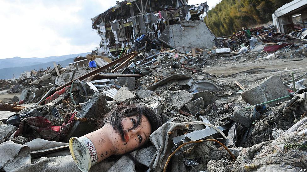 Resultado de imagen para ZONA DE DESASTRE POR UN VOLCAN