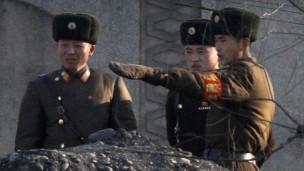 Lính biên phòng Triều Tiên tại biên giới với Trung Quốc
