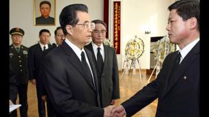 胡锦涛向朝鲜驻华使馆表达对金正日去世的哀悼