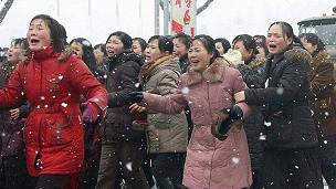 Người dân Triều Tiên kêu khóc trong tang lễ Kim Jong-il