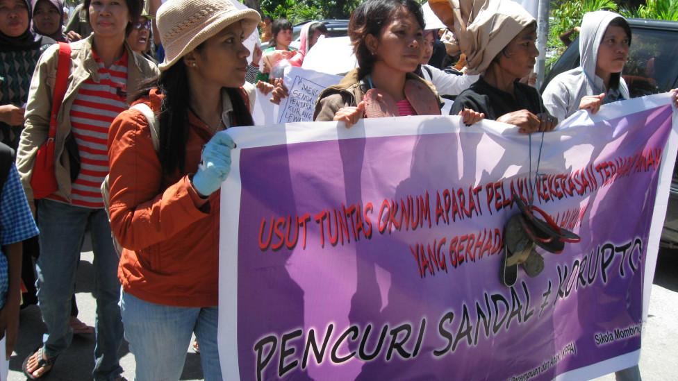 Người biểu tình ở Palu