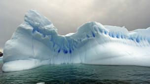 Iceberg descongelando