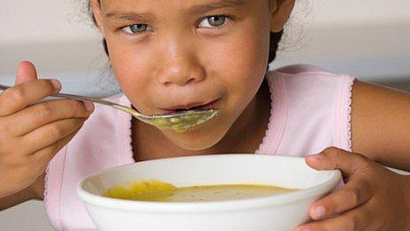 ¿Por qué comemos sopa cuando nos sentimos mal? 120109125141__57689634_child