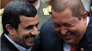 Mahmoud Ahmadinejad (izq.) y Hugo Chávez (foto de archivo)