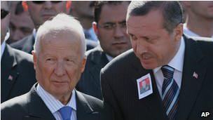 ژنرال کنعان اورن به همراه اردوغان