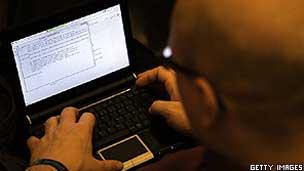 Tecnologia e informatica 120116110706_hacker304