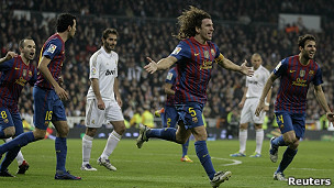 Carles Puyol celebra un gol