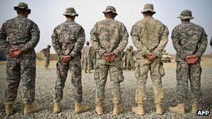 美军报告显示,美军士兵自杀率有所下降,但家庭暴力和性犯罪率上升。
