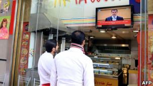 بر خلاف اطمینان خاطری که دولت سوریه می دهد، زندگی در پایتخت سوریه فاصله زیادی با وضعیت عادی دارد.