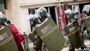 中国武警进入阿坝地区