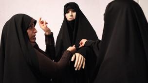 یکسان سازی لباس زنان شاغل