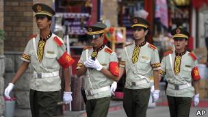 新疆维族治安人员